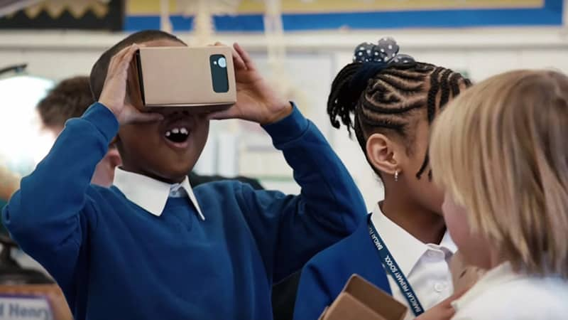 7-virtual-reality-education-google-facebook-cardboard-vr-1