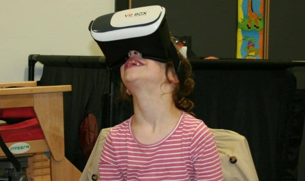 Hur VR hjälper sjuåriga Imogen som har Williams syndrom