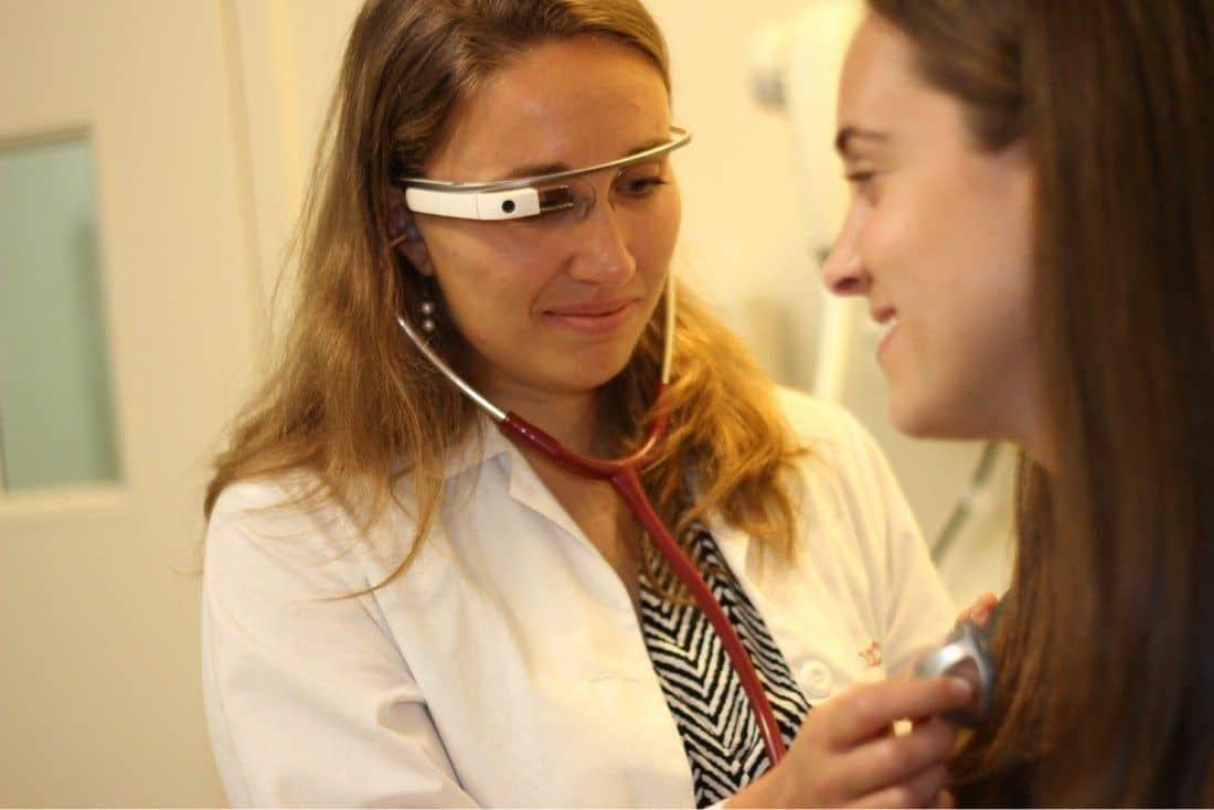 Vilka AR-glasögon passar inom vården?